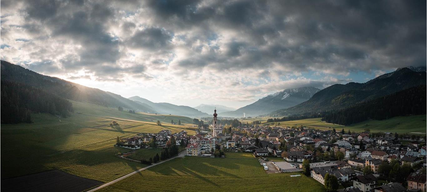 Willkommen in Niederdorf in der Dolomitenregion Drei Zinnen